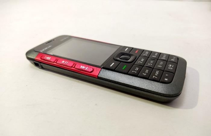 Nokia 5310 có vỏ đẹp khít