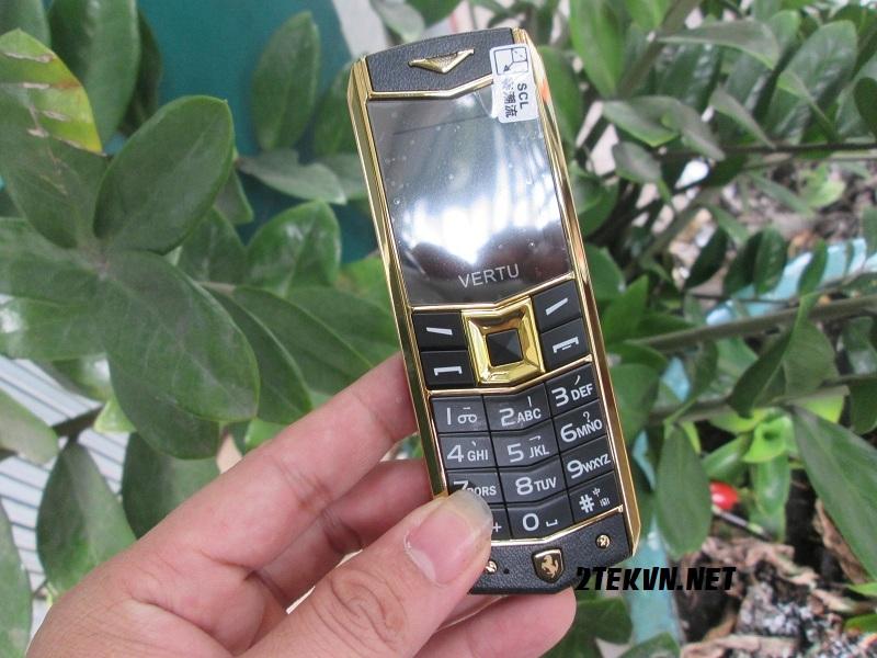 điện thoại vertu a8 vàng đen