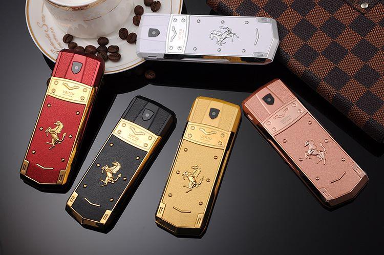 Điện thoại Vertu A8 fake
