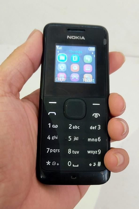 Màn hình của nokia 105 là màn hình  LCD với hơn 65 ngàn màu