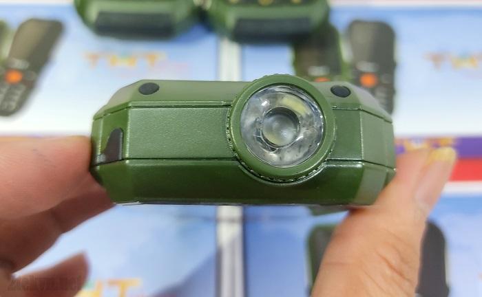 Đèn pin của THT C20