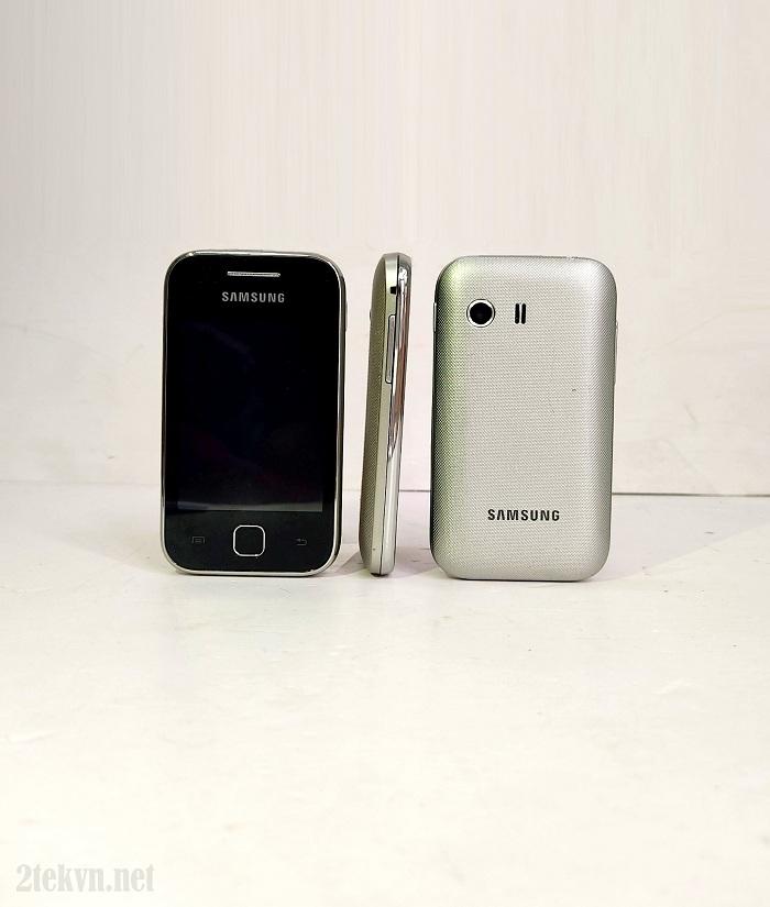 Samsung Galaxy Y S5360 có thiết kế cực kỳ nhỏ gọn