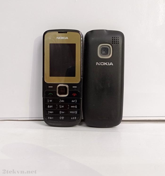 Nokia C2-00 có thiết kế đơn giản và nhỏ gọn, dễ dàng sử dụng
