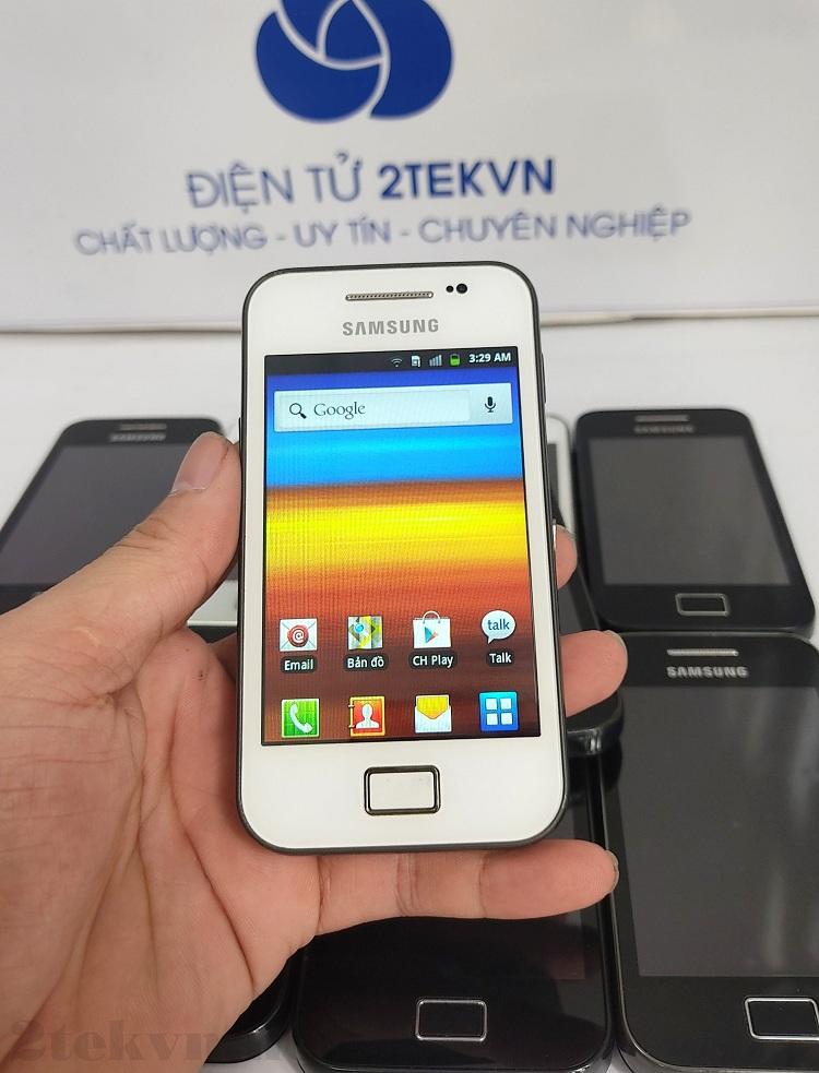 Trên tay chiếc Samsung S5830i