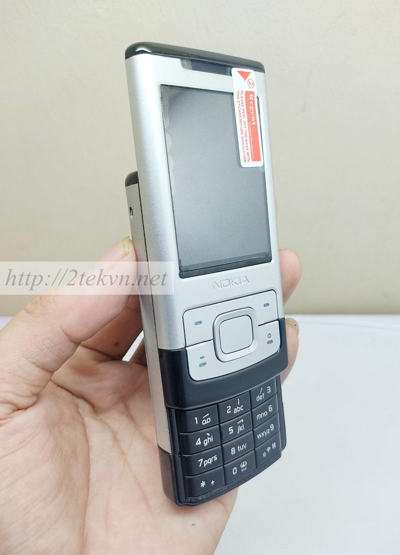 Nokia 6500s có kích thước nhỏ gọn, thiết kế nắp trượt độc đáo